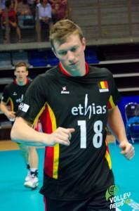Seppe Baetens, s'échauffe lors d'un temps mort du match Australie-Belgique (World League)