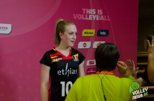 Lise Van Hecke, meilleur marqueuse de la rencontre (21 points), à l'interview