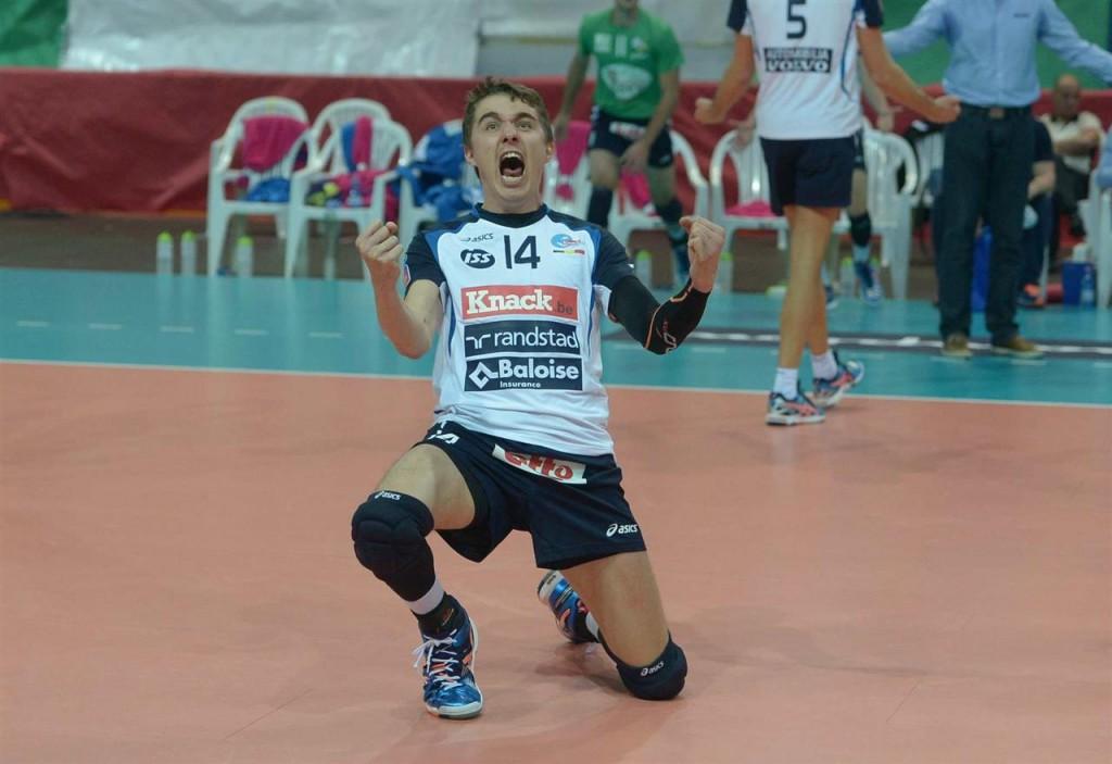 Eemi Tervaportti célèbre un point marqué par son équipe !