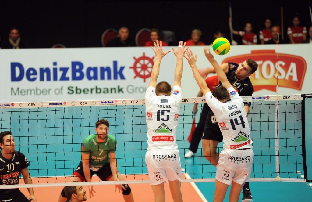 Le jeune (18 ans)  opposite hongrois Krisztian Padar a livré un match exceptionnel pour Noliko Maaseik
