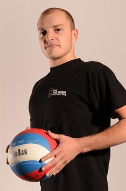 Kevin Sante est passeur à Mortroux (N2) et entraîneur des jeunes d'Esneux